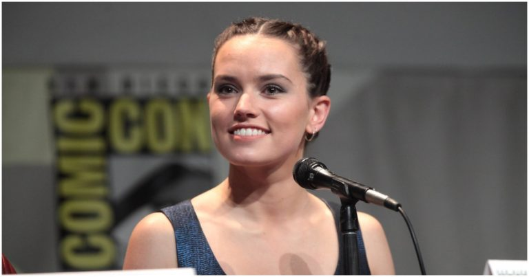 'Star Wars' Actress Opens Up On Politics, Suggests Trump Supporters Are Not 'Sane'